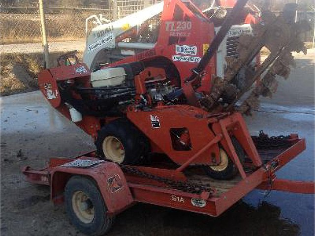 2010 DITCH WITCH RT10 Photo