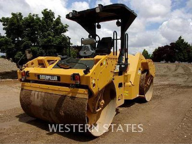 2013 CATERPILLAR CB54XW Photo