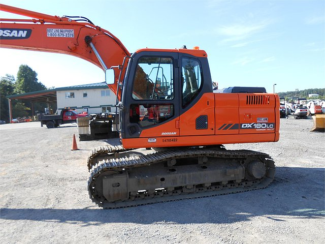 2012 DOOSAN DX180 LC-3 Photo