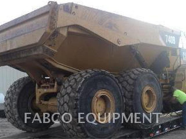 2011 CATERPILLAR 740B Photo