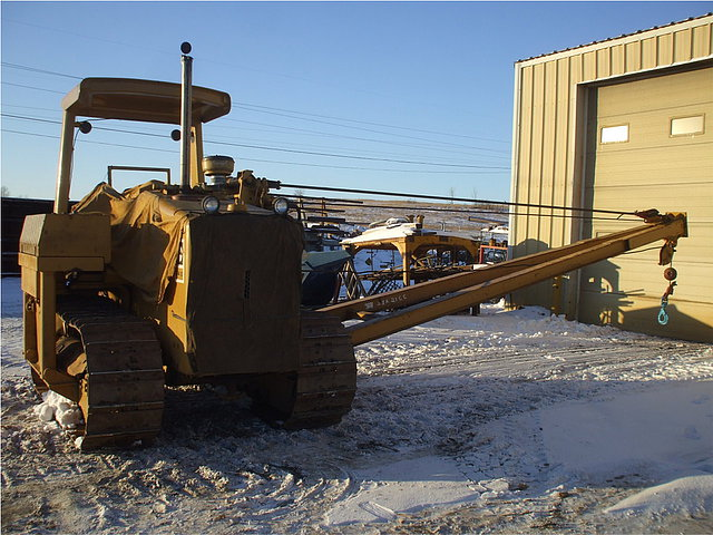 1983 CATERPILLAR D4E Photo