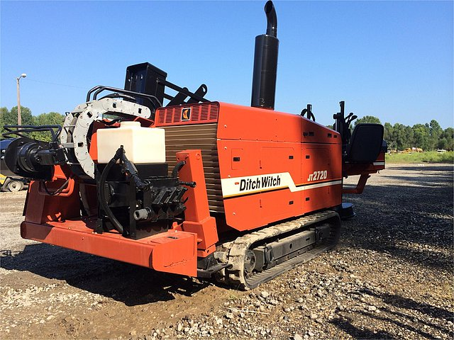 2000 DITCH WITCH JT2720 Photo