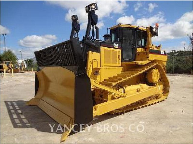 2004 CATERPILLAR D7R II Photo