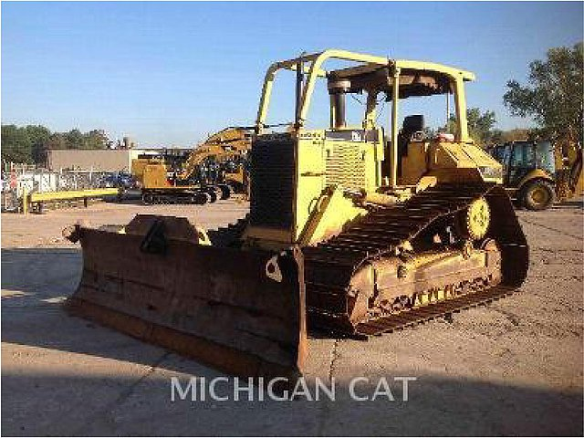 1998 CATERPILLAR D6M Photo