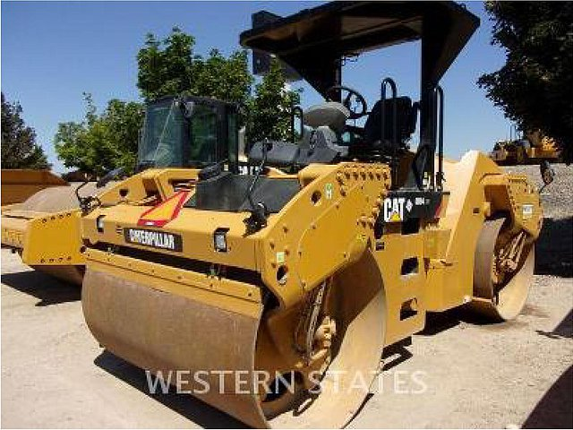 2012 CATERPILLAR CB54XW Photo